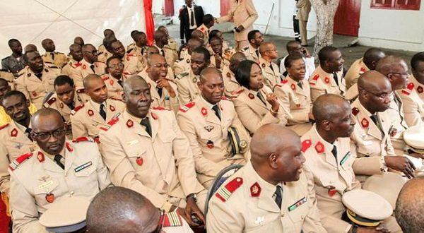 Le président Macky Sall gâte l'Armée