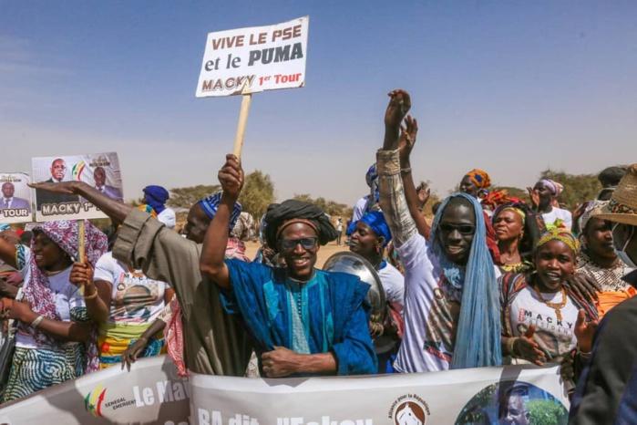 Madina Ndiathbé : Liesse populaire pour accueillir  Macky Sall