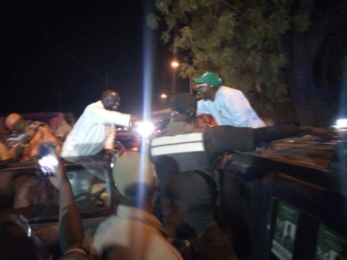 Kaffrine : Idrissa Seck croise El Hadj Issa Sall et lui serre la main
