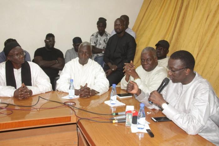 Seizième jour de campagne : Amadou BA a effectué des visites de proximité aux marchés Touba SANDAGA et de TILENE