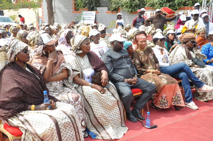 (Images ) Meeting de soutien des voisins de Pr Macky Sall à Fenêtre mermoz sous la houlette de Me Lika Ba