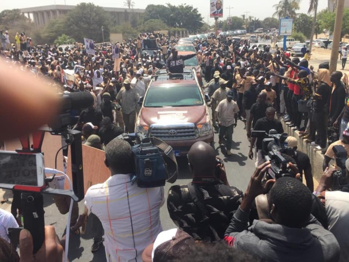 Caravane Benno Bokk Yaakaar dans Dakar-Plateau : Macky Sall accepte l'interdiction du Préfet et change d'itinéraire...