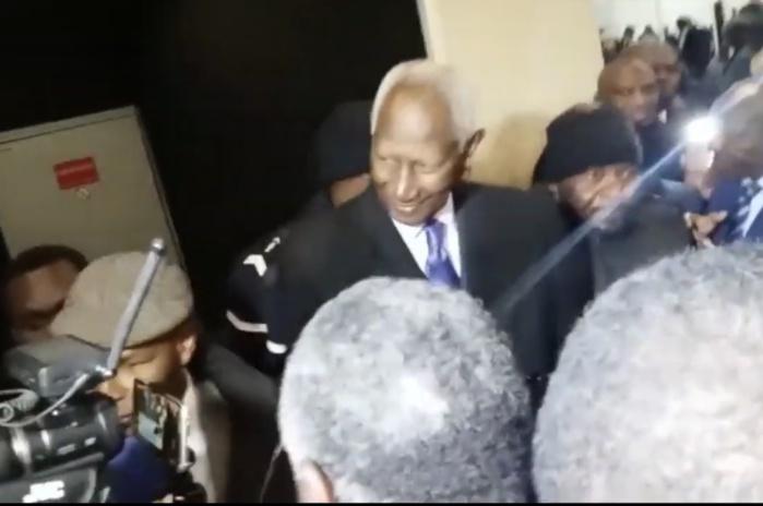 Paris Saint Dénis : le président Abdou Diouf a voté