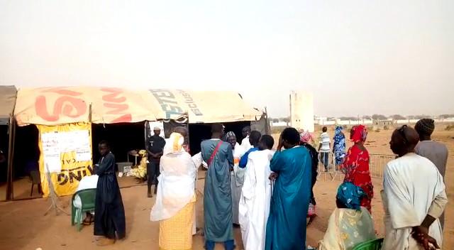 """Touba vote dans des """"xaymas""""  et Mbacké  dans des salles de classe... Le plus célèbre conseiller municipal de Touba attendu à Darou Marnane."""