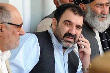 Un des frères du président Hamid Karzaï a été assassiné