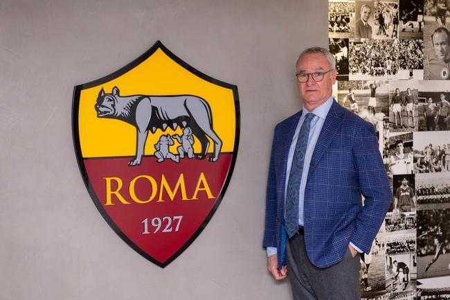 Désigné nouveau sélectionneur, Ranieri de retour à l'AS Roma.