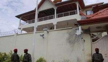 """Guinée : le gouvernement dément la mort en détention du commandant """"AOB"""""""