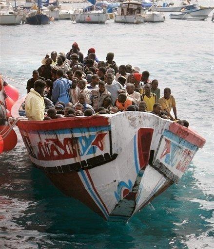Émigration irrégulière : Les 87 clandestins libérés, les 2 capitaines devant le Procureur