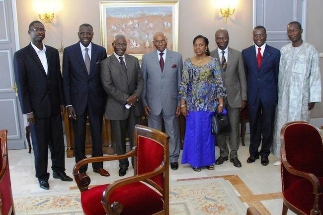 Le Groupe des six concocte une formule de relance du dialogue politique.