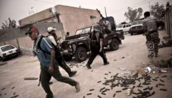 Libye : la rébellion divisée après l'assassinat du général Younes