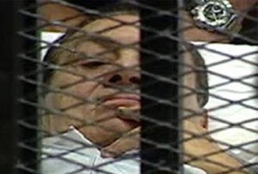 Le procès de Moubarak reprend devant un tribunal du Caire