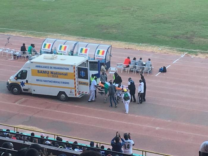 Sénégal-Mali : Blessé, Mbaye Diagne a été évacué en ambulance