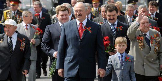 Gorbatchev : Alexandre Loukachenko prépare son fils de six ans à sa succession