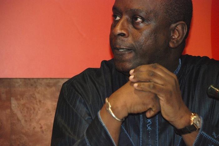 Cheikh Tidiane Gadio -  Par Mambita Chamuscada