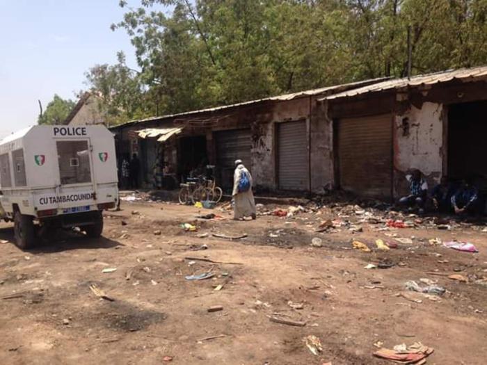 Incendie au marché de Tamba : Les sinistrés reçoivent un appui de l'Etat