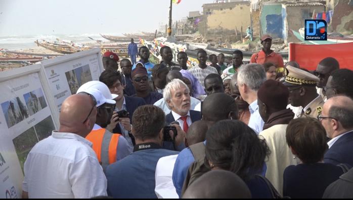 Saint-Louis : Bruno Le Maire constate les dégâts de l'érosion et se garde de faire une déclaration publique