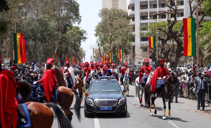 Boulevard de la République : Une immense foule a accompagné Macky Sall au palais présidentiel