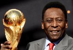 Pris d'une crise de tétanie et d'une fièvre, Pelé a été hospitalisé