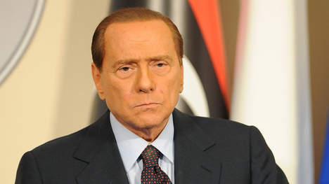 """Berlusconi: """"Je m'en vais de ce pays de merde"""""""