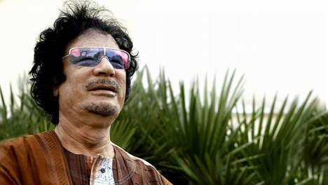 "Kadhafi fustige les ""mensonges"" sur sa fuite au Niger"