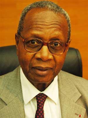 """Podor / Pr Seydou Madani Sy, ancien garde des sceaux :  """"La suppression du poste de Premier ministre est une option politique du chef de l'État. Elle a un impact et des conséquences sur le système"""""""
