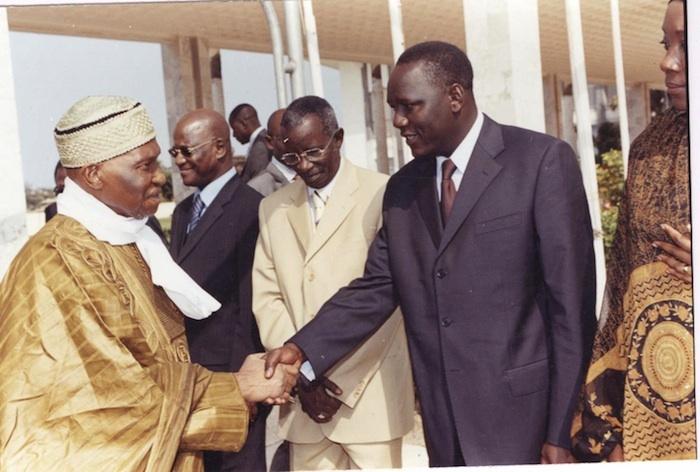 Abdoulaye Wade échoue à évincer Lamine Ba de l'Internationale libérale.