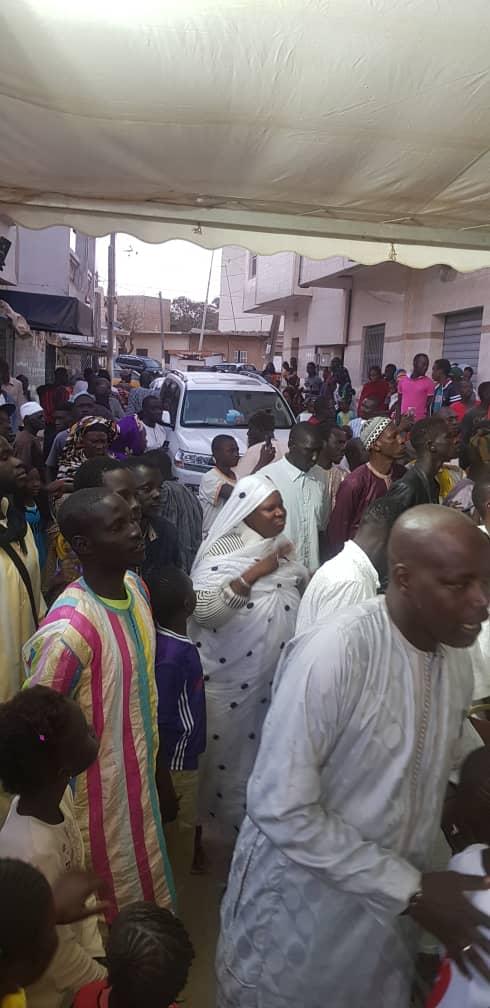 Le porte-parole des Mourides Serigne Bass Abdou Khadre Mbacké en visite à Keur Baye Mor Ndiaye Bata à Guédiawaye (IMAGES)
