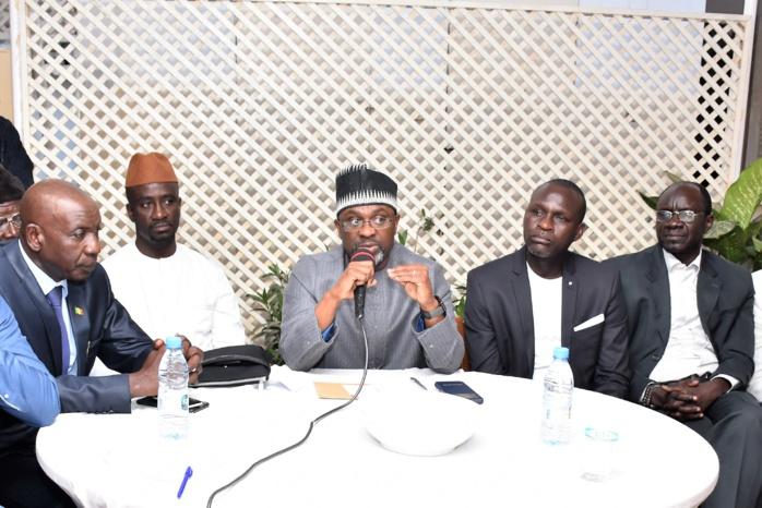 """Médina : Cheikh Ahmed Tidiane Bâ prend en charge 100 jeunes à travers le concept """"J'ai 12ans, j'emmène  mon parent à la Mecque""""."""