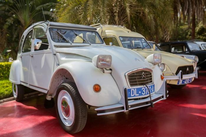 Audience au palais : Le président a reçu le Club Auto Rétro...
