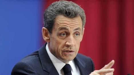 Trois proches de Sarkozy soupçonnés d'espionnage de journalistes