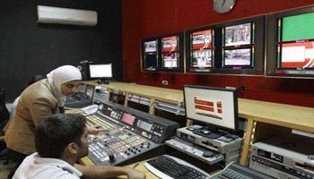"""Arraï TV : """"Nous sommes derrière Kaddafi qui défend son pays contre l'Otan"""""""