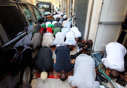 France : Vous, les musulmans, êtes priés d'aller prier ailleurs