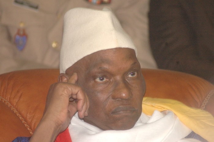 Quelle est la dernière trouvaille d'Abdoulaye Wade pour reporter la présidentielle de février 2012 ?