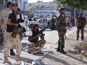 En Libye, des pro-Kadhafi manifestent à Tripoli alors que les combats continuent à Syrte   ( AUDIO )