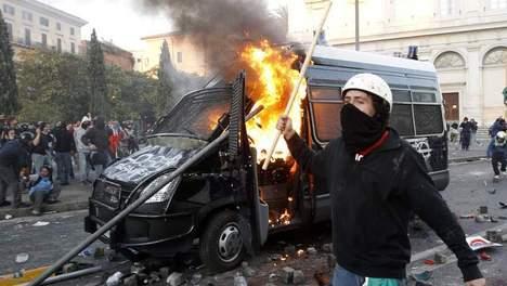Le monde s'est indigné, Rome déplore 70 blessés