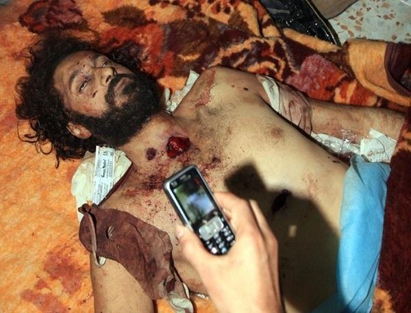 La dépouille de Mouatassim Kadhafi, le fils de Mouammar Kadhafi, à Misrata (PHOTO)
