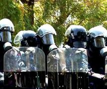 A la Police Sénégalaise : Allez-vous tuer vos frères et sœurs pour les caprices des Wade ? ( Issakha )