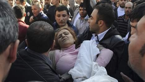 Violent séisme en Turquie: plus de 1000 morts redoutés