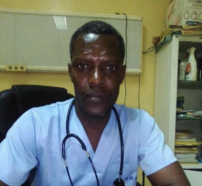 Emanuel Kazubwengue, chirurgien généraliste à l'hôpital régional de Kolda : « Il y a un manque criard de personnel médical et nous sommes surchargés par le travail! »
