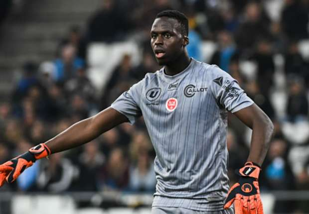Ligue 1 / Bordeaux - Reims : Édouard Mendy blessé sort sur une civière