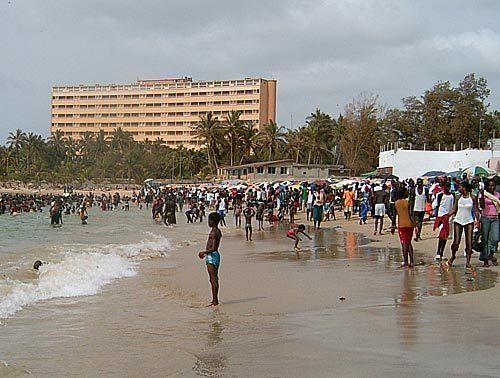 Plages de Dakar: Face à la prostitution, la police réagit.