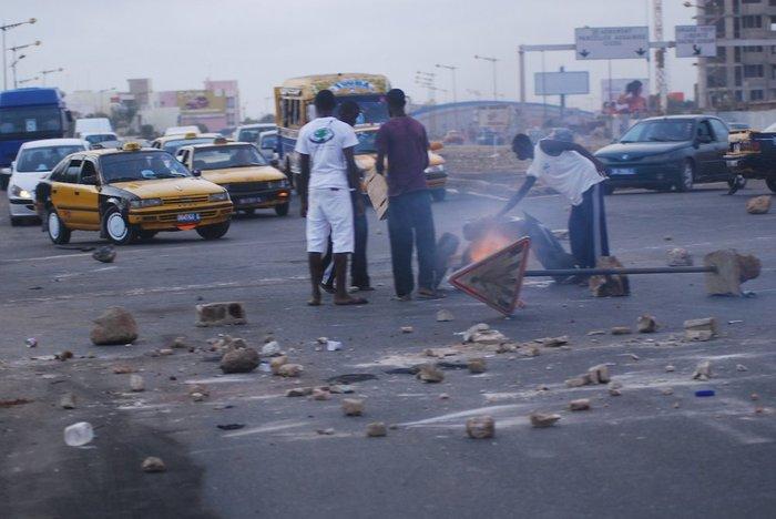 Violences politiques : pourquoi l'opposition doit éviter l'escalade (Par Cheikh Yérim Seck).