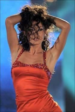 Le passé sulfureux de la nouvelle copine de Balotelli  (PHOTOS)
