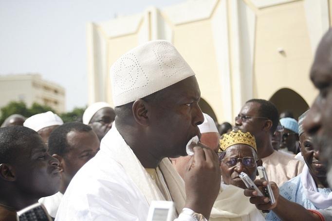 Le discours du Premier ministre chahuté à la mosquée Oumarienne