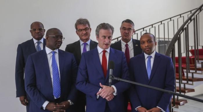 Exploitation de Pétrole du bloc de Sangomar : Le Président Macky Sall a reçu une délégation de Cairn Energy, la production démarre en 2022 avec 100.000 barils/Jour.