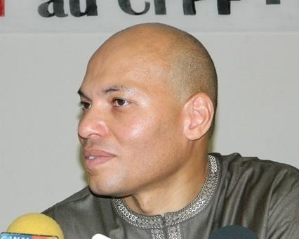 Karim Wade prend ses routes pour des voies digestives (le commentaire du jour de Cheikh Yérim Seck).