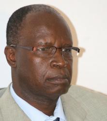 La main lourde de Kalidou Diallo: 14 directeurs suspendus, Youssou Touré et le proviseur de Kennedy virés