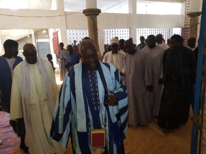 CHEIKH BASS CHEZ LES BAAY-FALL / Le porte-parole du Khalife des Mourides rencontre Serigne Cheikh Dieumb Fall et plusieurs autres dignitaires de la communauté
