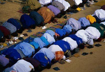 Un imam recommande de ''ne pas répondre aux appels à la violence''