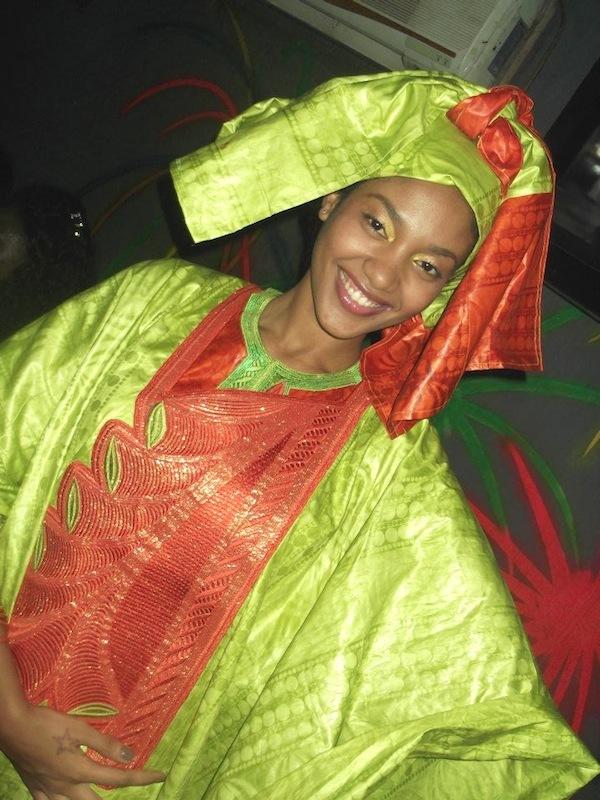 Une petite pute senegalaise que je baise en 2002 - 3 part 2